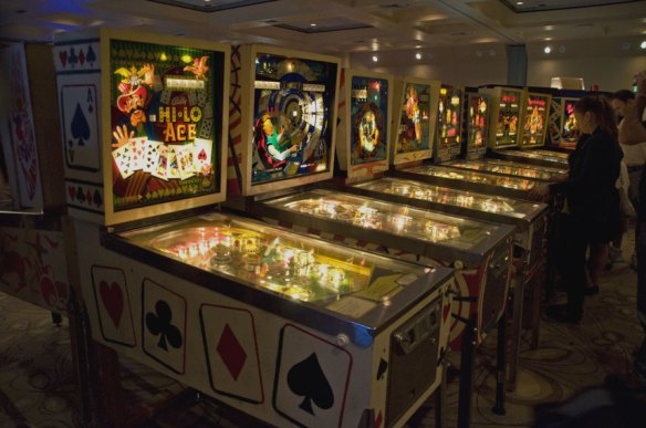vintage pinball machines california extreme hi-lo ace