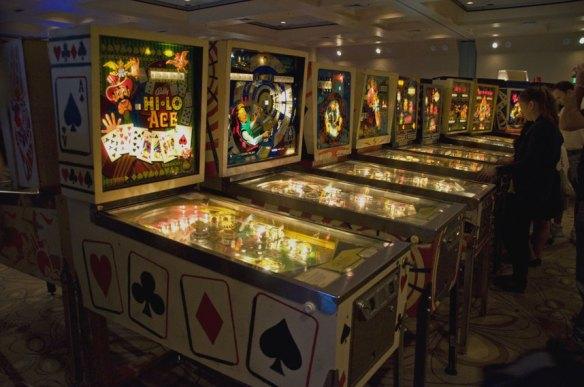 vintage pinball machines california extreme hi-lo ace