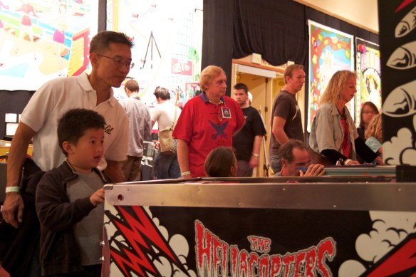 pacific pinball 2011 hellacopters boy plays pinball