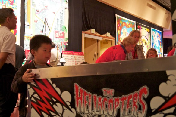 boy plays hellacopters pacific pinball expo 2011