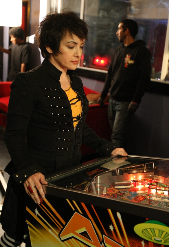Jane Wiedlin plays pinball